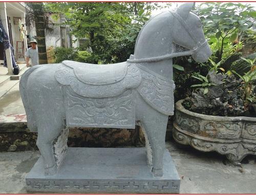 Ngựa đá 03