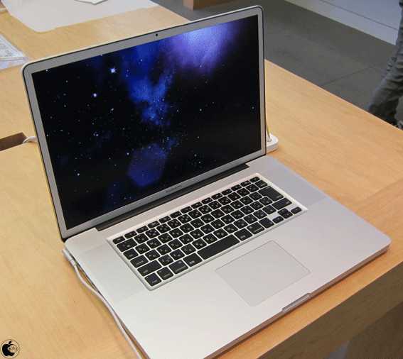 MacBook Pro A1297 17 INCH Mid-2010 Core I7-620M 2.66 GHz RAM 8GB HDD 500GB MỚI 99%