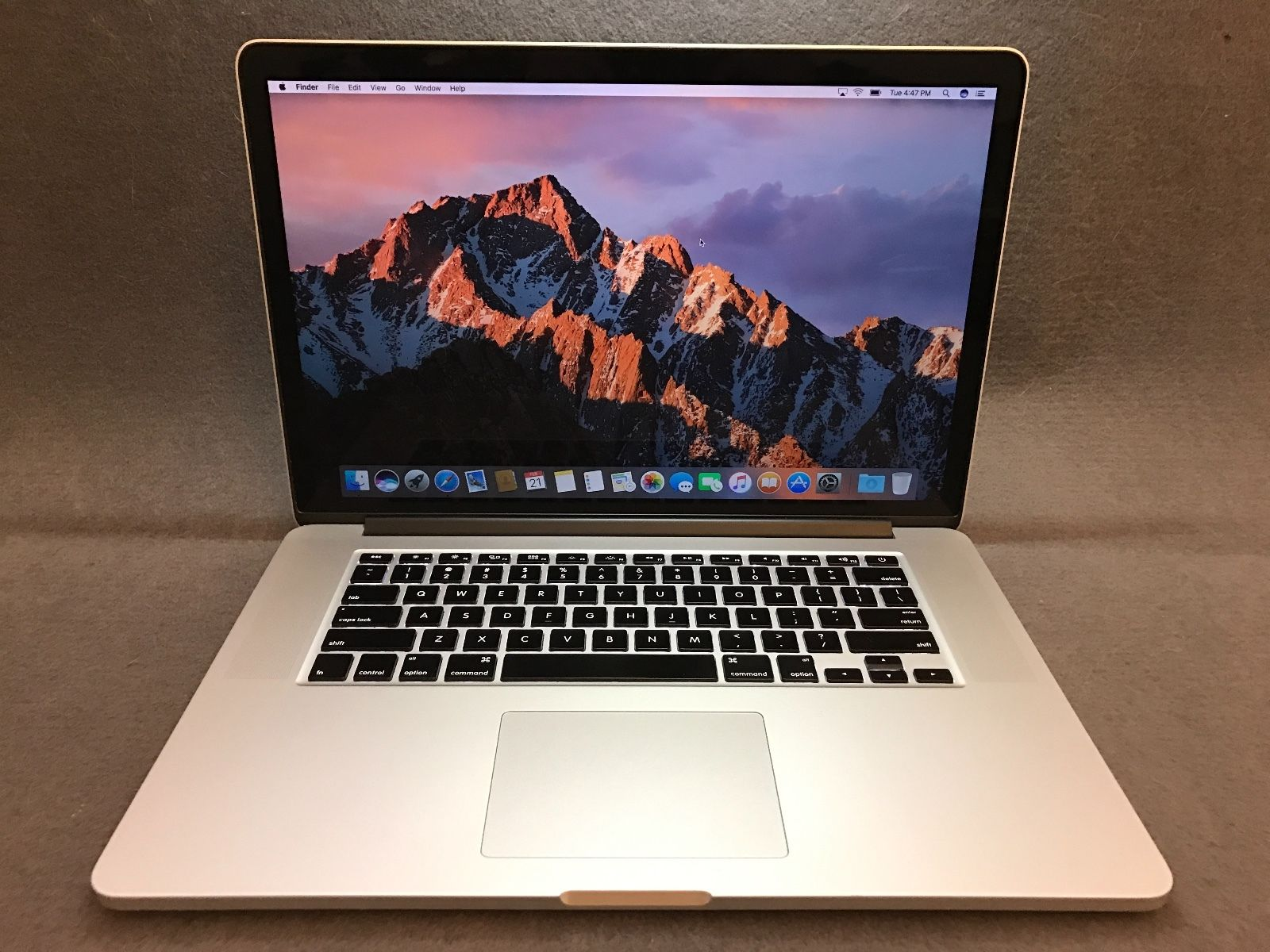 MacBook Pro me293 15inch Late 2013 Core i7-4750HQ 2.0 GHz Ram 8GB SSD 256GB Mới 99