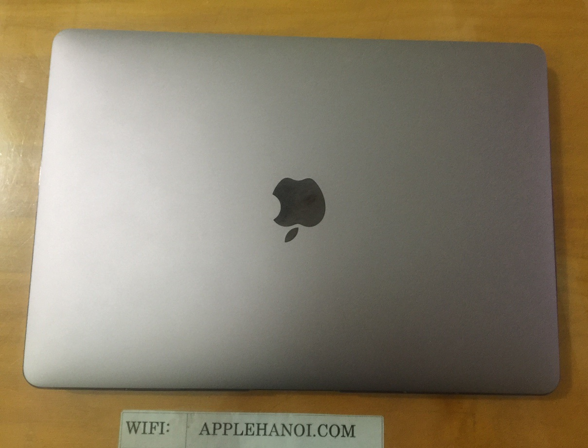MacBook Pro MPXV2 13″ 2017 Touch Bar Gray Core i5  Ram 8GB  SSD 256GB
