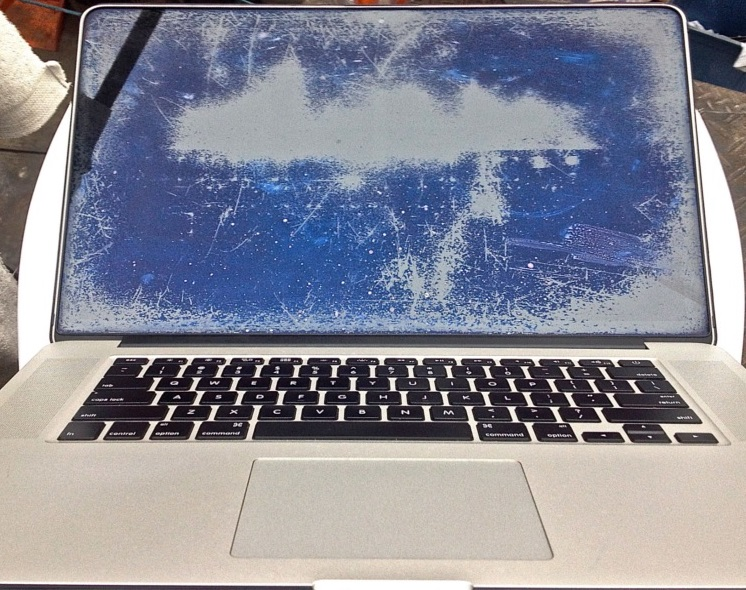 màn hình macbook bị trầy bị xước