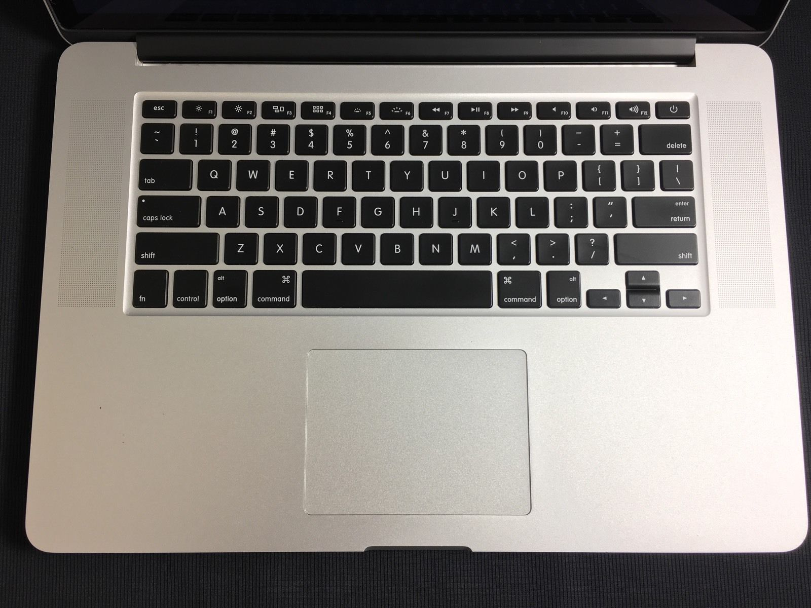 MacBook 15 Retina Intel i7 16GB Ram 512GB SSD