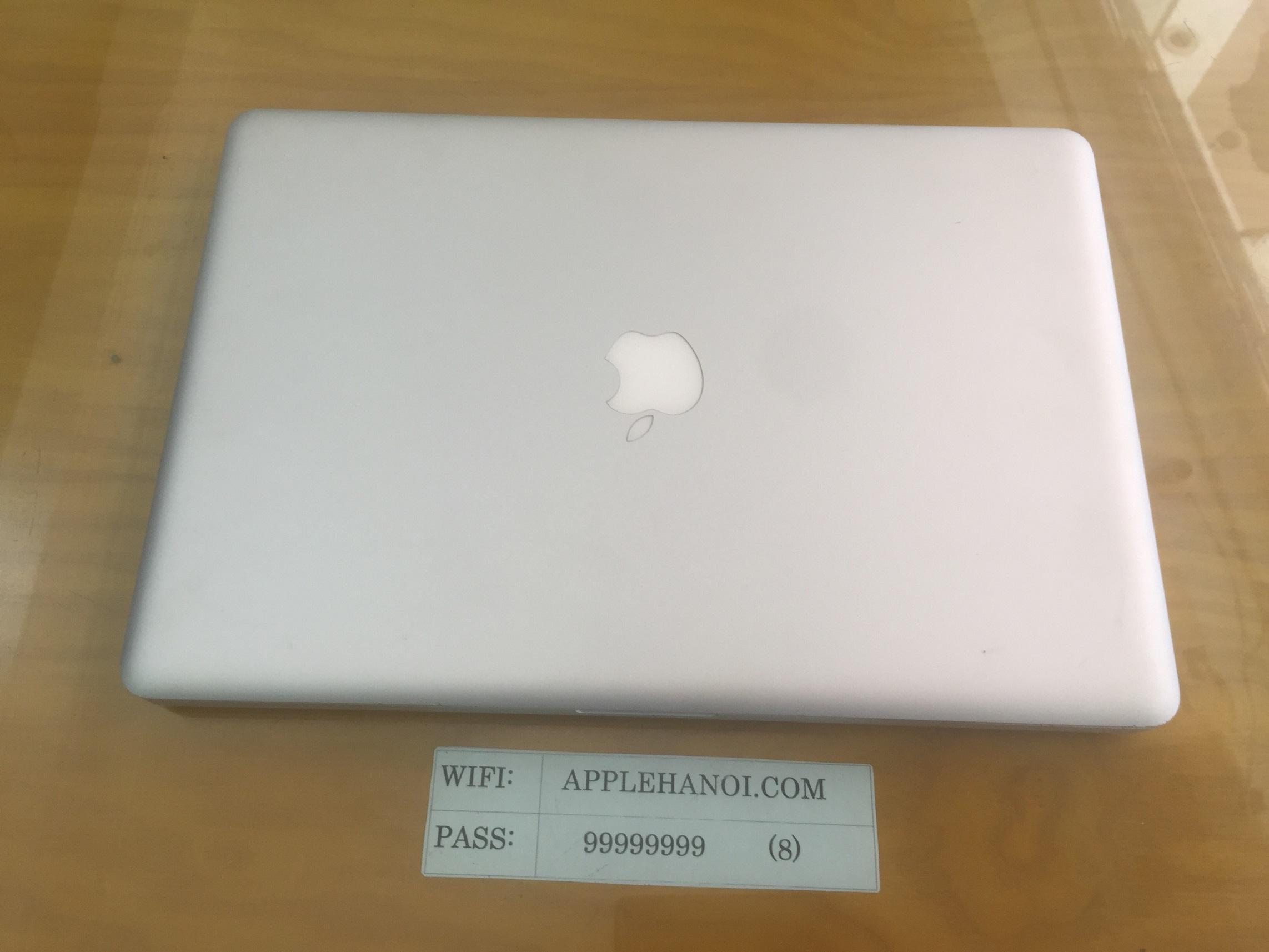 Macbook Pro Late 15 inch -2011- MD322 core i7 ram 4gb 500 98%