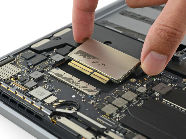 SSD MACBOOK PRORETINA 13