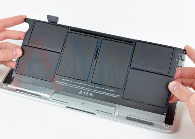 Thay pin laptop MacBook Air 11