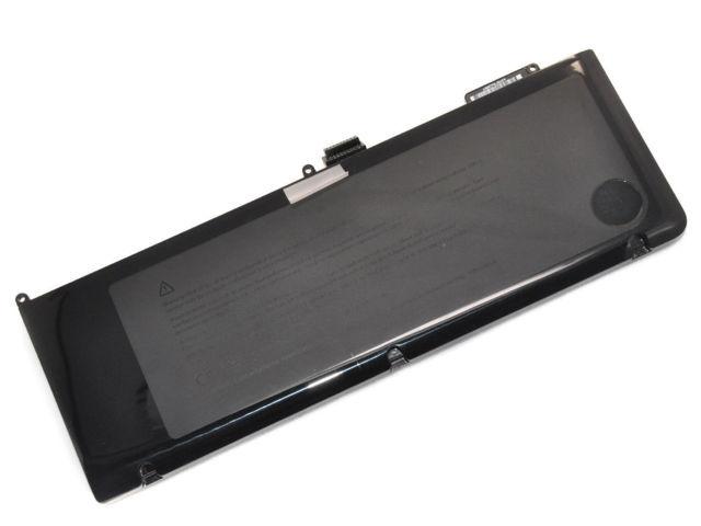 "Thay pin laptop MacBook Pro 15"" MC118"