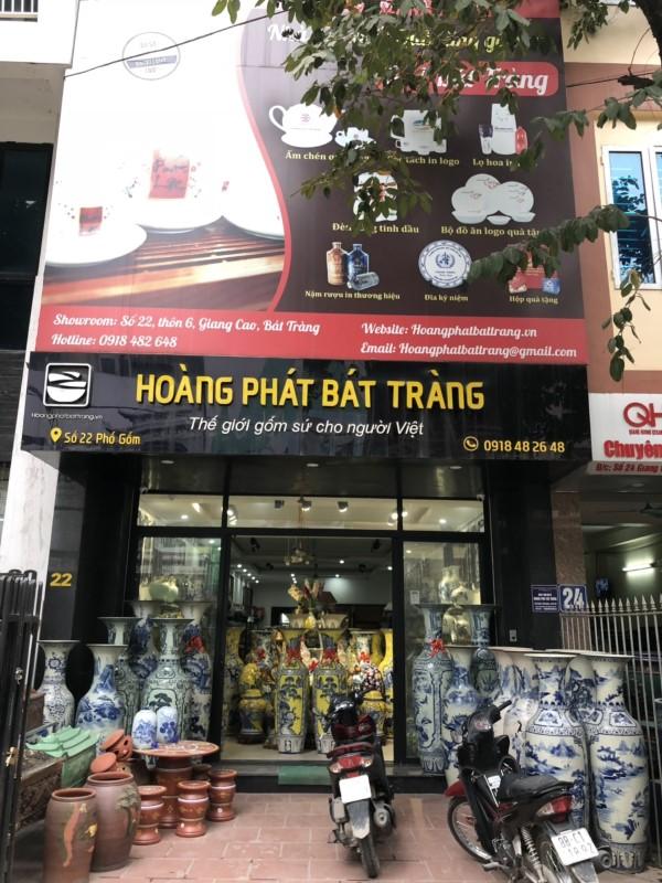 Cửa hàng trưng bày sản phẩm bộ đồ thờ tam sự gốm Bát Tràng gốm sứ Hoàng Phát Bát Tràng