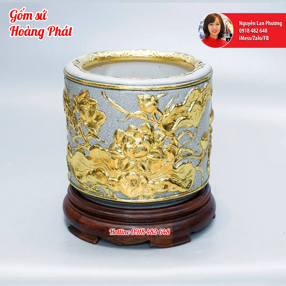 Bát hương đắp Sen dát vàng kèm chân đế gỗ