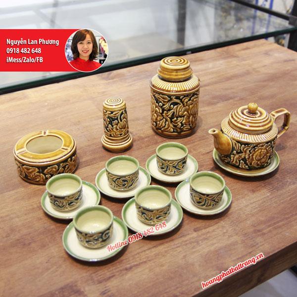 Bộ ấm chén quai vuông men Hoàng Thổ khắc nổi 3D hoa Phù Dung full phụ kiện