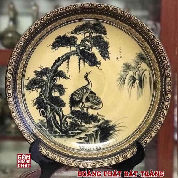Đĩa trưng bày Tùng hạc men Hoàng Thổ