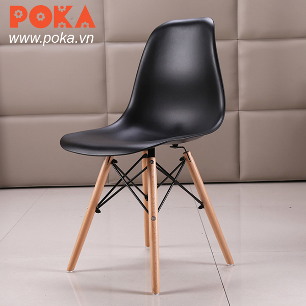 Eames chair black