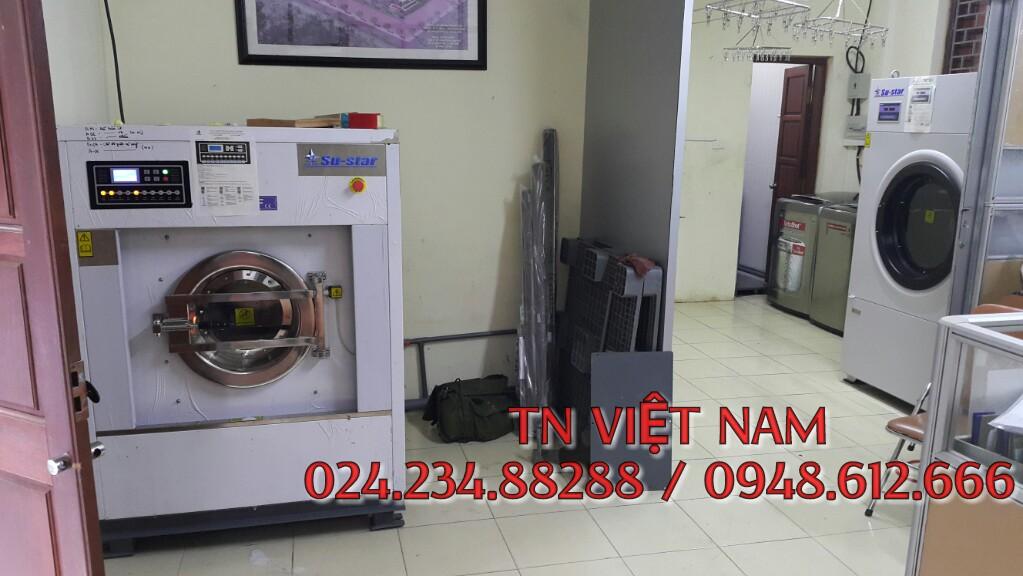 Lắp đặt máy giặt công nghiệp su-star, hóa chất giặt là tại Cầu Giấy, Hà Nội.