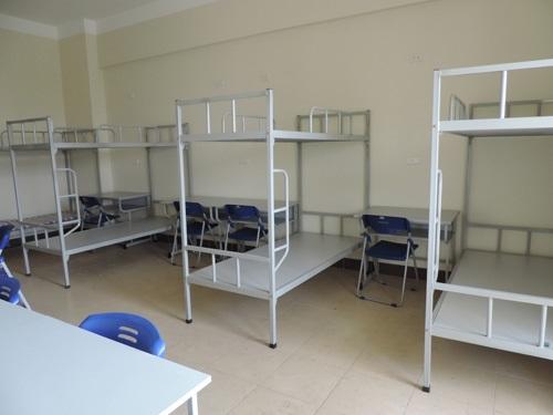 Giường tầng giá rẻ Xuân Hòa có kết cấu chắc chắn, vật liệu sắt thép cứng cáp và thiết kế tiện ích