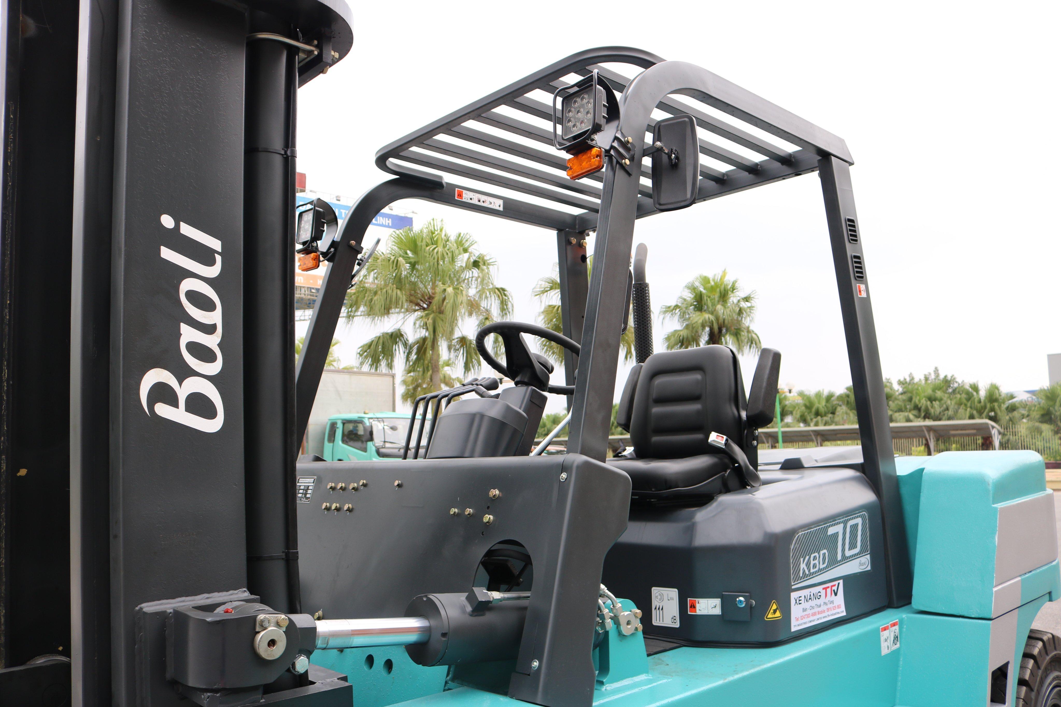 xe nâng 7 tấn Baoli dùng nâng cho đa mục đích sử dụng