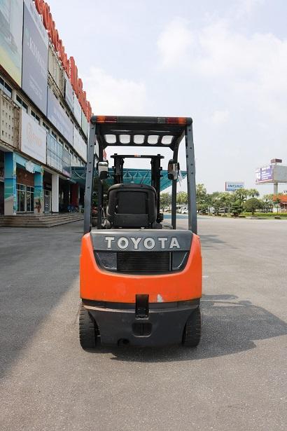 Xe nâng dầu Toyota 1.5 tấn 02-8FD15