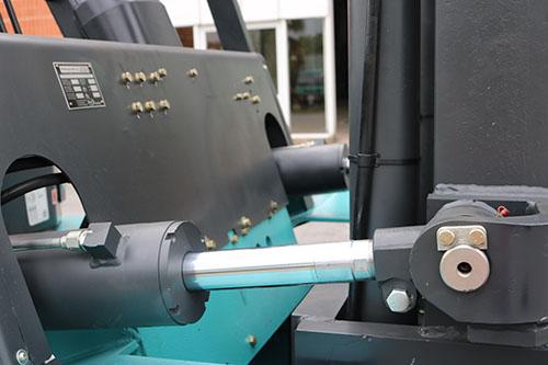 Xy lanh trên xe nâng 7 tấn KBD70 Kion Baoli