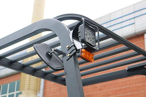 Đèn led chiếu sáng cho tầm nhìn cực tốt vào ban đêm với các xe tải trọng lớn lên tới 7 tấn