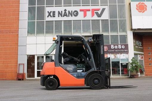 Xe nâng dầu 2.5 tấn toyota 02-8FDF25