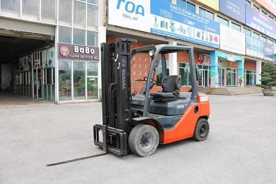 Xe nâng dầu 2.5 tấn Toyota 02-8FD25