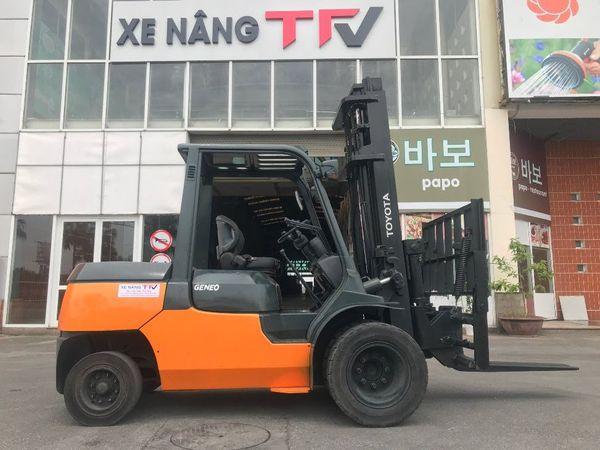 Xe nâng dầu 4 tấn Toyota 7FD40
