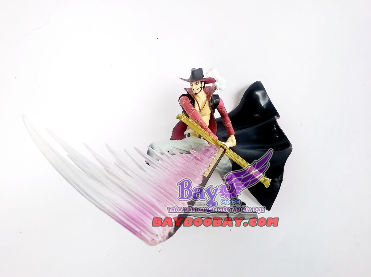 figure mihawk- one piece