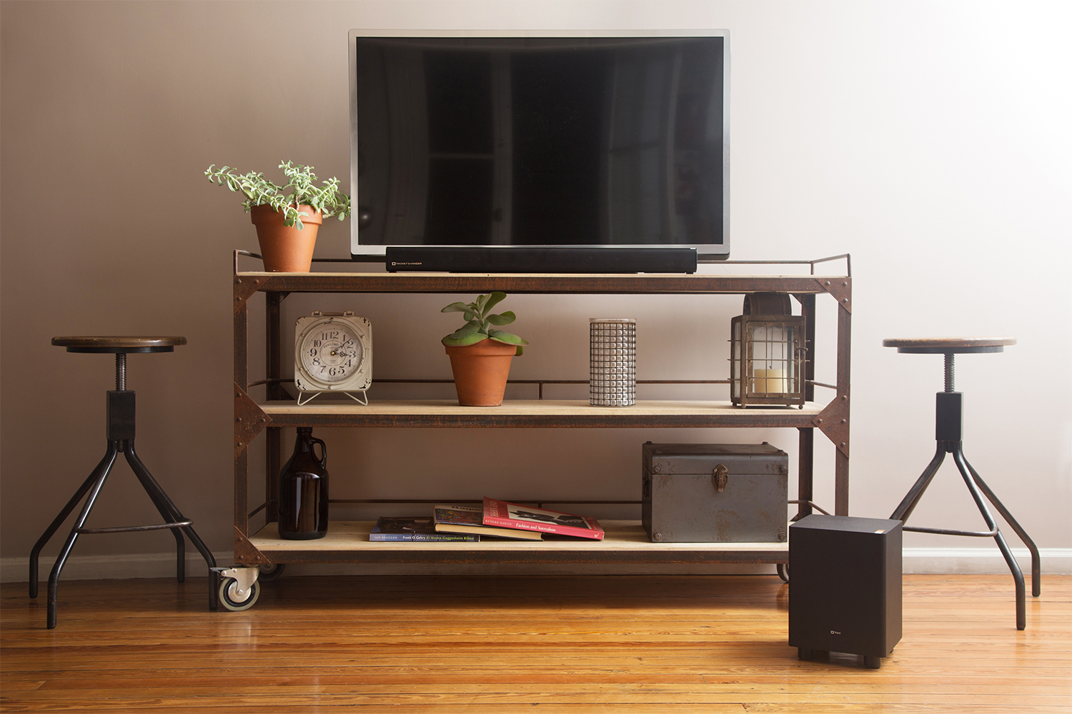Loa Soundbar Thonet And Vander Dunn