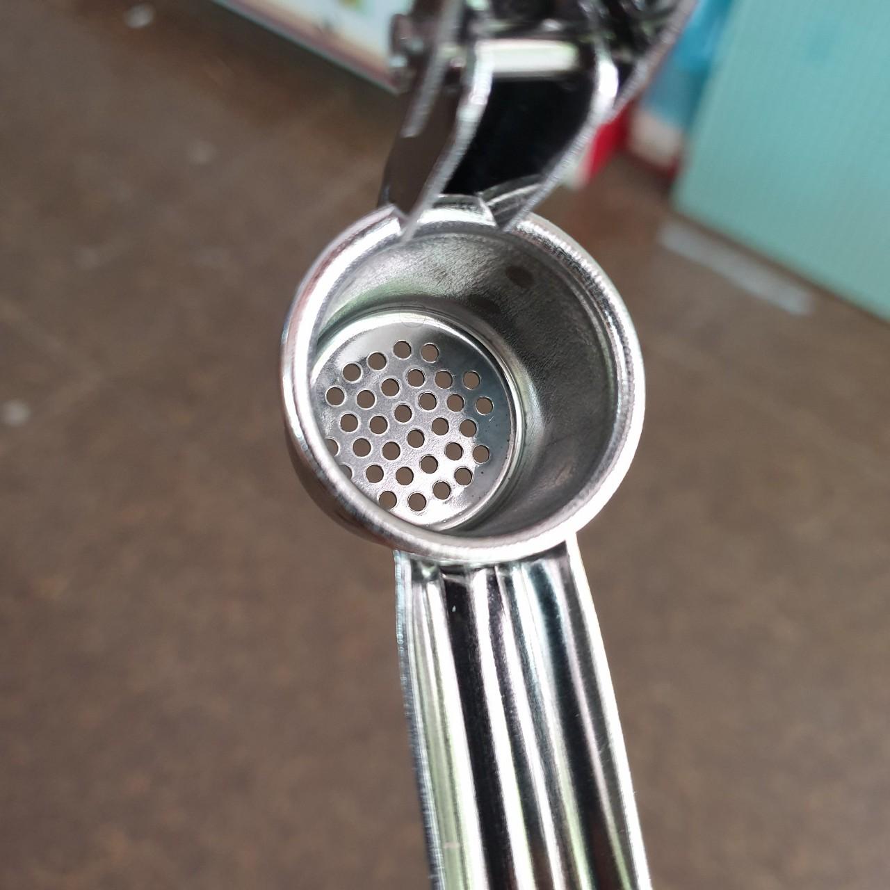 Dụng cụ ép tỏi cao cấp đa năng sekikawa chiều dài 16.3cm, cối ép 3 cm