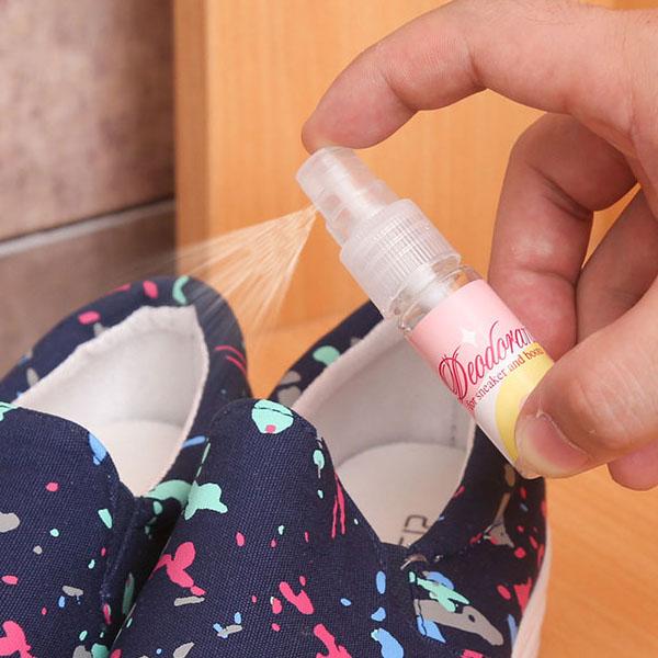 Chai xịt khử mùi giày mini bỏ túi nhập khẩu nhật bản