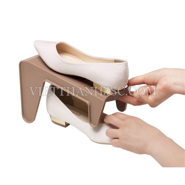Kệ để giày dép cất gọn màu nâu