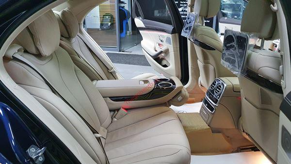 tiện nghi hàng ghế thứ 2 mercedes benz s class 2021
