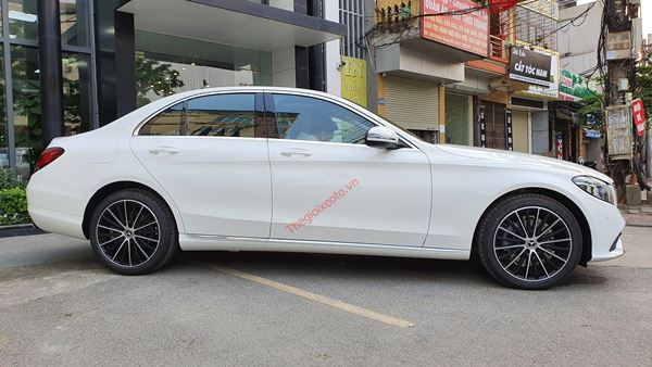 thân xe Mercedes C200 Exclusive 2021