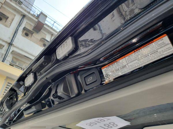 CỐP mở điện trên Toyota Land Cruiser