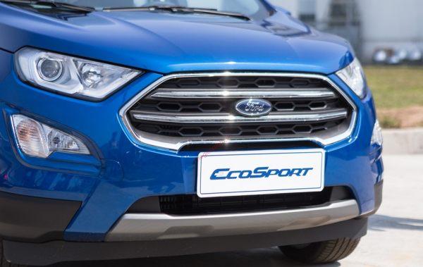 Đèn pha và lưới tản nhiệt Ford Ecosport 2020