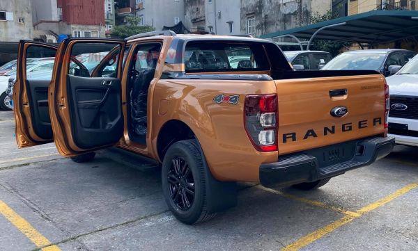 hông xe bán tải Ranger