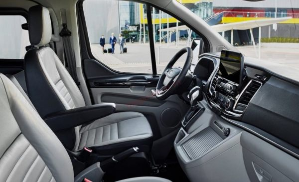Nội thất Ford Tourneo 2019