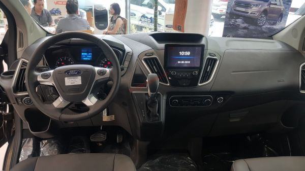 nội thất ford tourneo 2019 2020