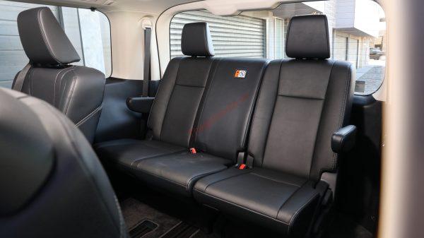 Hàng ghế thứ 4 trên xe Toyota Granvia