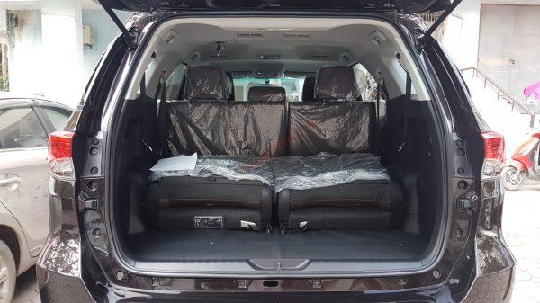 Khoang hành lý Toyota Fortuner