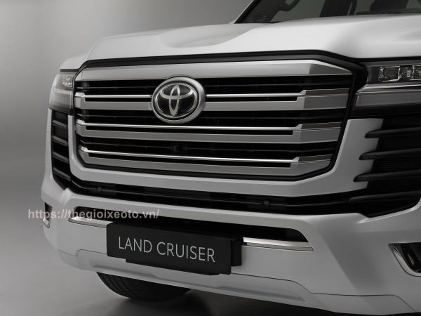đầu xe Land Cruiser V6 2022