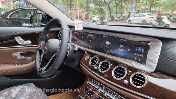 hệ thống giải trí Mercedes E200 Exclusive 2021