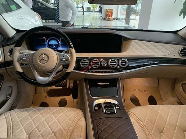 Taplo xe Mercedes Benz Maybach 2020
