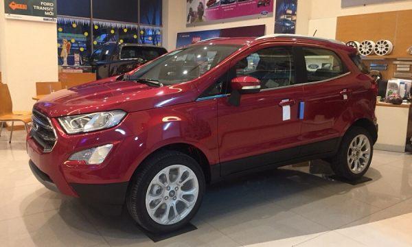 Ngoại thất màu đỏ Ruby của Ford Ecospot 2020