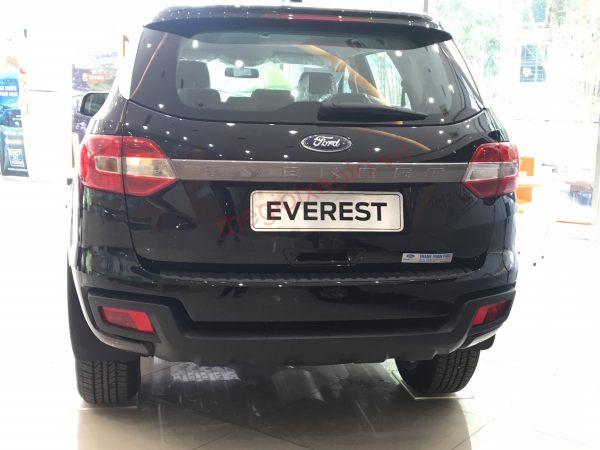 Đuôi xe Everest 2021