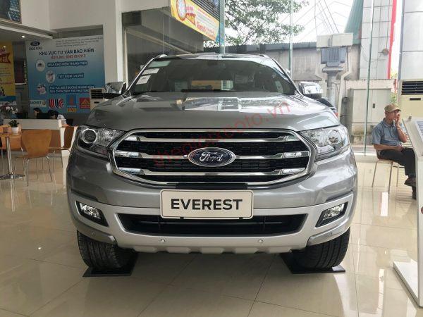Đầu xe Ford Everest 2021
