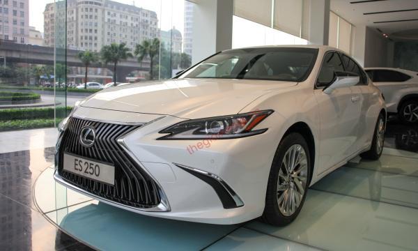 Đánh giá ngoại thất Lexus ES 250 2020
