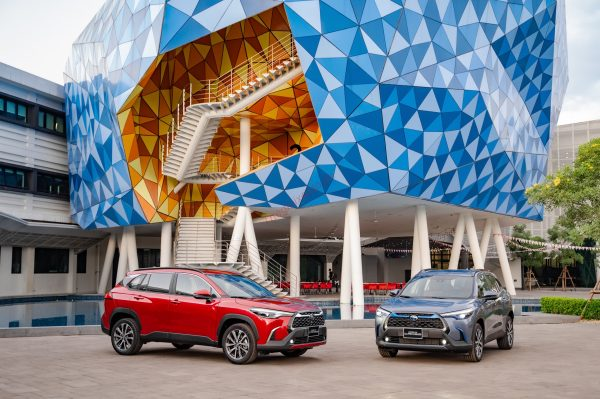 Đánh giá xe Toyota Corolla Cross 2021