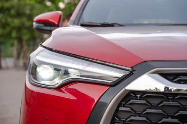 Cụm đèn pha trên Corolla Cross 2021
