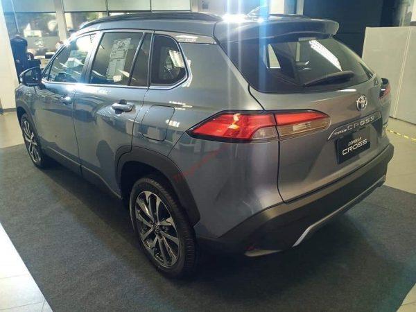 hông xe Toyota Corolla Cross 2021