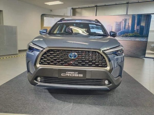 đầu xe Toyota Corolla Cross 2021