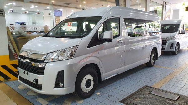 Đánh giá xe Toyota Hiace 2021 máy dầu